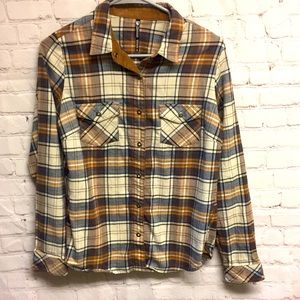 Kuhl flannel snap button blouse